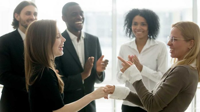 10 Ways to Reward Employees